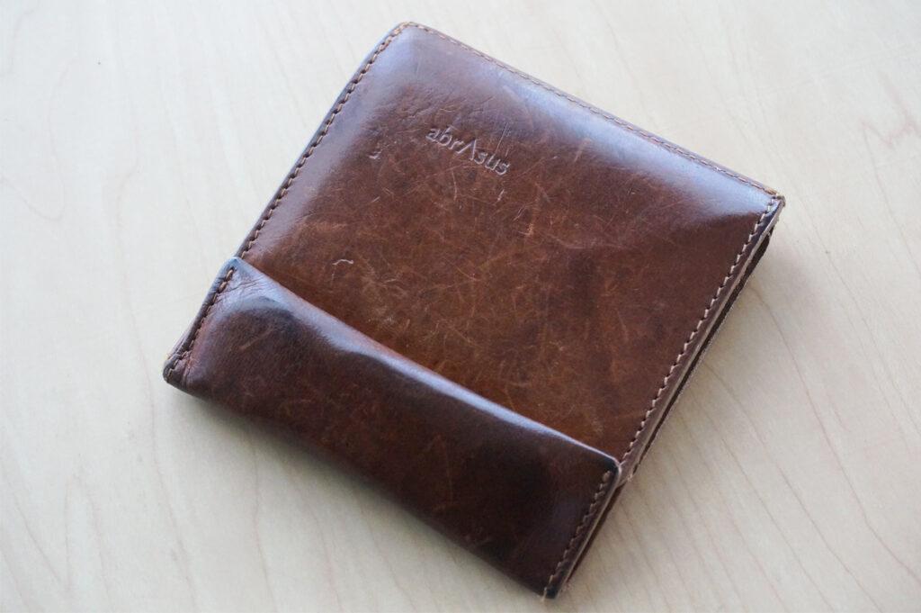 【メンズ・レディース】ミニマリストにおすすめ【abrAsus薄い財布】レビュー